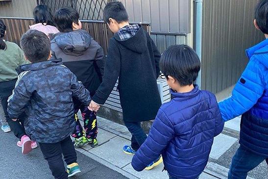 児童デイサービス芳泉 お散歩