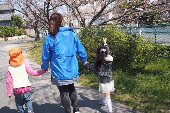 児童デイサービス芳泉 散歩